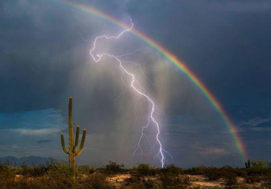 Amazing Photo Captures Rainbow And Lightning Strike Together