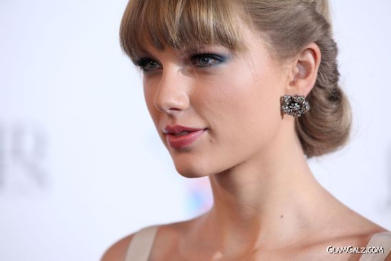 Taylor Swift At 26th Annual ARIA Awards in Sydney