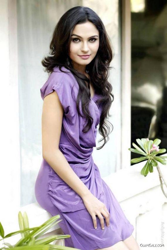 Pretty Tamil Actress Andrea Jeremiah