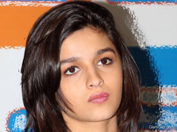 Click to Enlarge - Beautiful Alia Bhatt Wallpapers