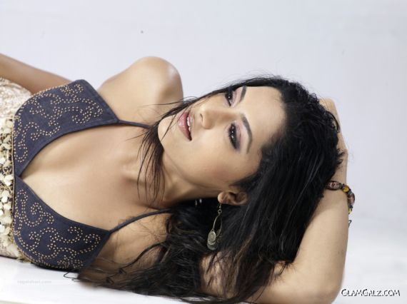 Click to Enlarge - Mamta Mohandas Best Wallpapers