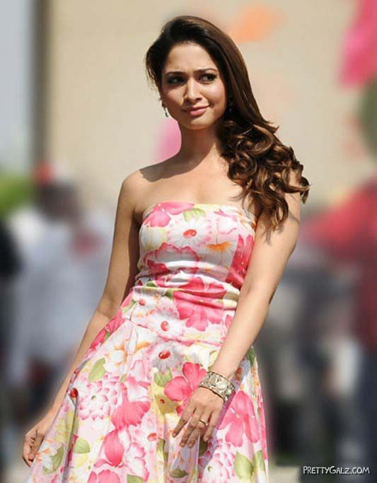 Indian Actresses In Stylish Floral Wear