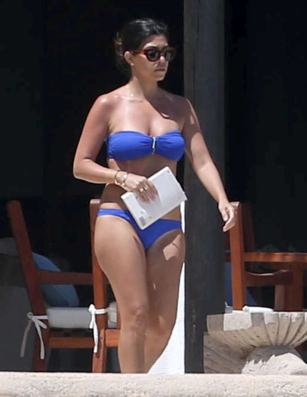 Kourtney Kardashian At A Pool In Vegas
