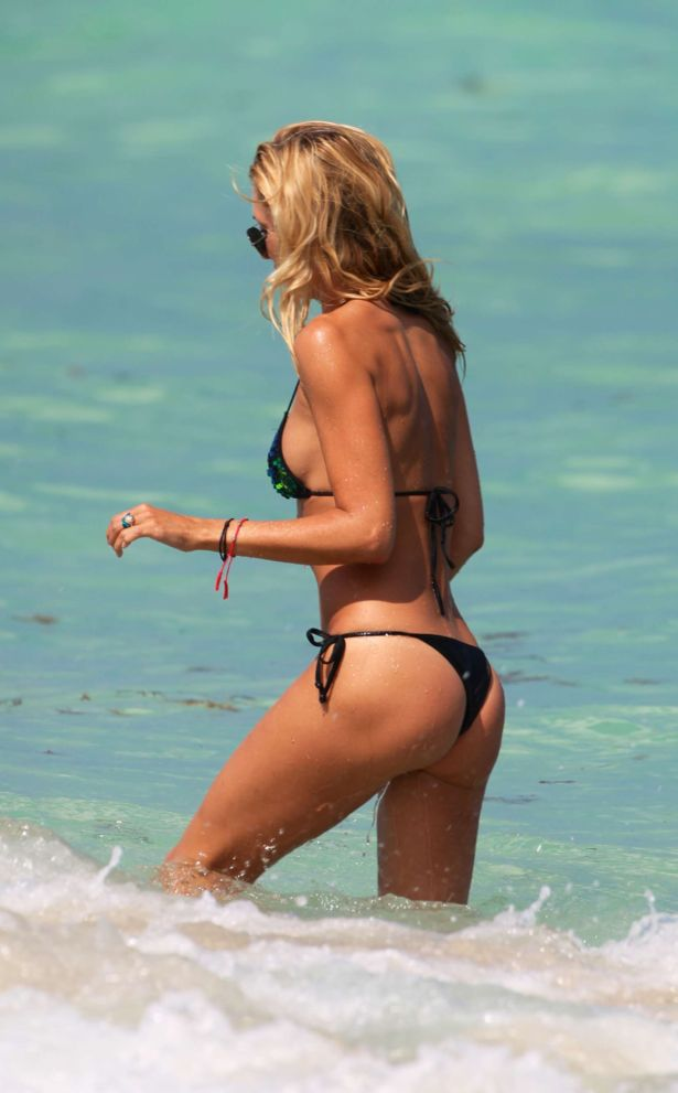 Lauren Stoner On A Vacation In Miami