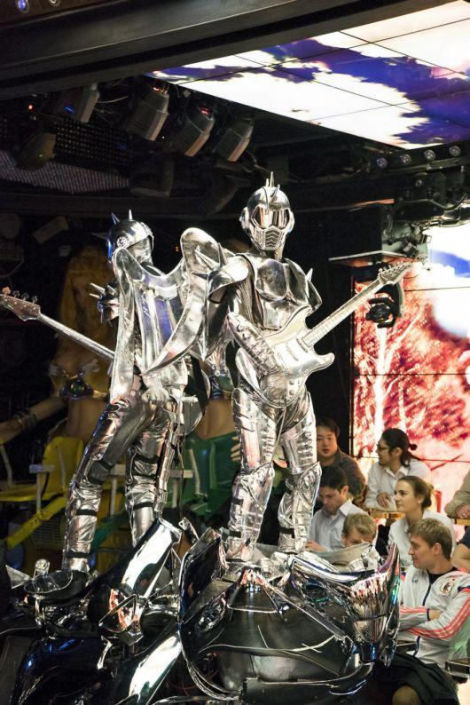 Amazing Robot Restaurant In Tokyo, Japan